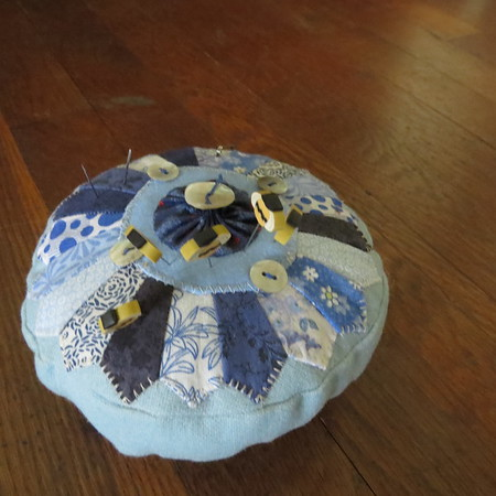 blue20pincushion-m